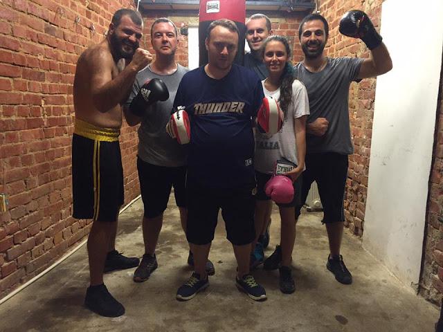 Bükreşte bizi ağırlayan Sorin'in (en solda) birlikte boks yaptığı arkadaşları.