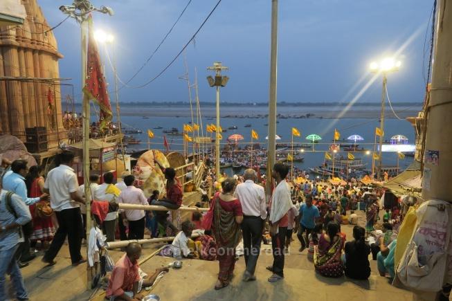 hindistan aarti töreni