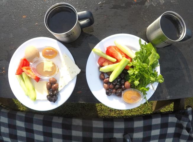 Tas gölü kamp alanı kahvaltı